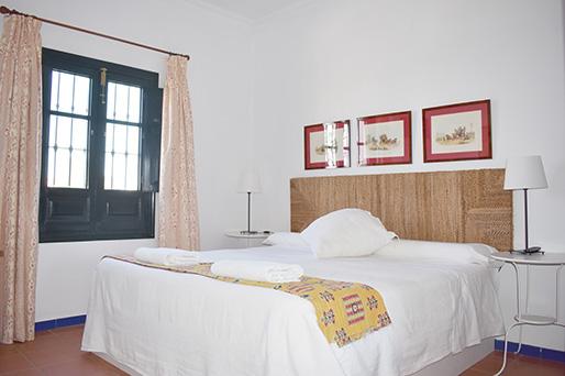 Habitación con cama de matrimonio de Lince Casa Rural